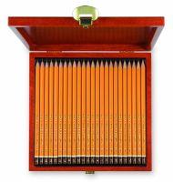 Komplet 24 ołówków Koh-I-Noor 1504 - D - w drewnianej kasetce